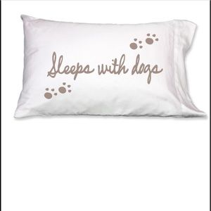 Accessories - Faceplant sleeps with dogs 2 standard pillowcases